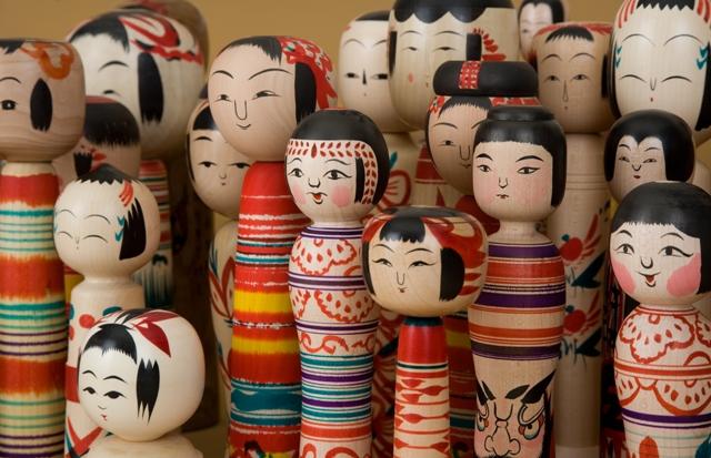 http://www.kameimuseum.or.jp/topics/2011/12/05/%E5%B7%A5%E4%BA%BA%E9%8C%B2%E3%80%80%E8%A8%98%E5%BF%B5%E5%B1%95.jpg